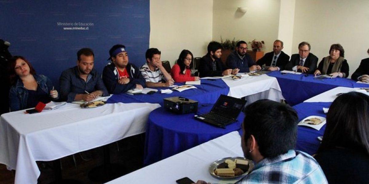 Confech: Estudiantes continuarán movilizados y llaman a paro el 23 de junio