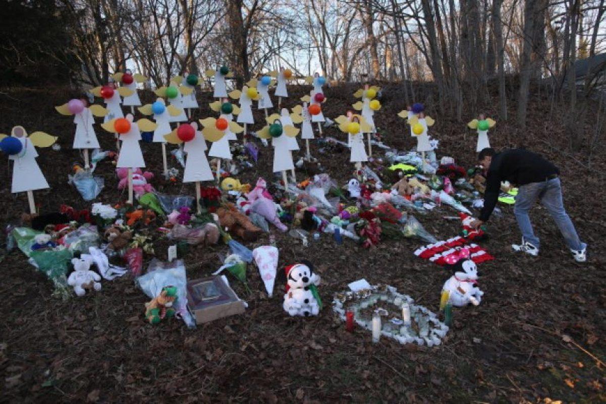 3. 14 de diciembre de 2012, Escuela Primaria Sandy Hook Foto:Getty Images. Imagen Por: