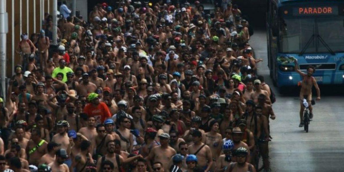 Cientos de ciclistas se desnudan para exhibir su vulnerabilidad en México