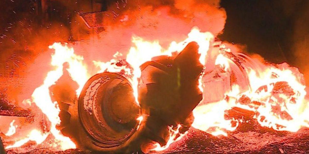 Nuevo atentado incendiario en La Araucanía: sujetos queman tractor en Lautaro