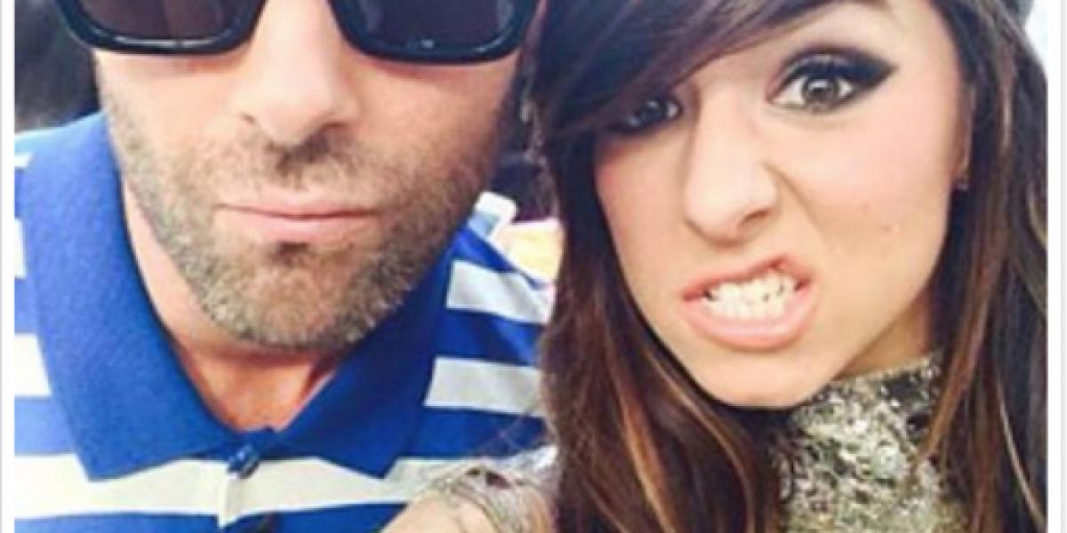 Vocalista de Maroon 5 costeará funeral de fallecida cantante de