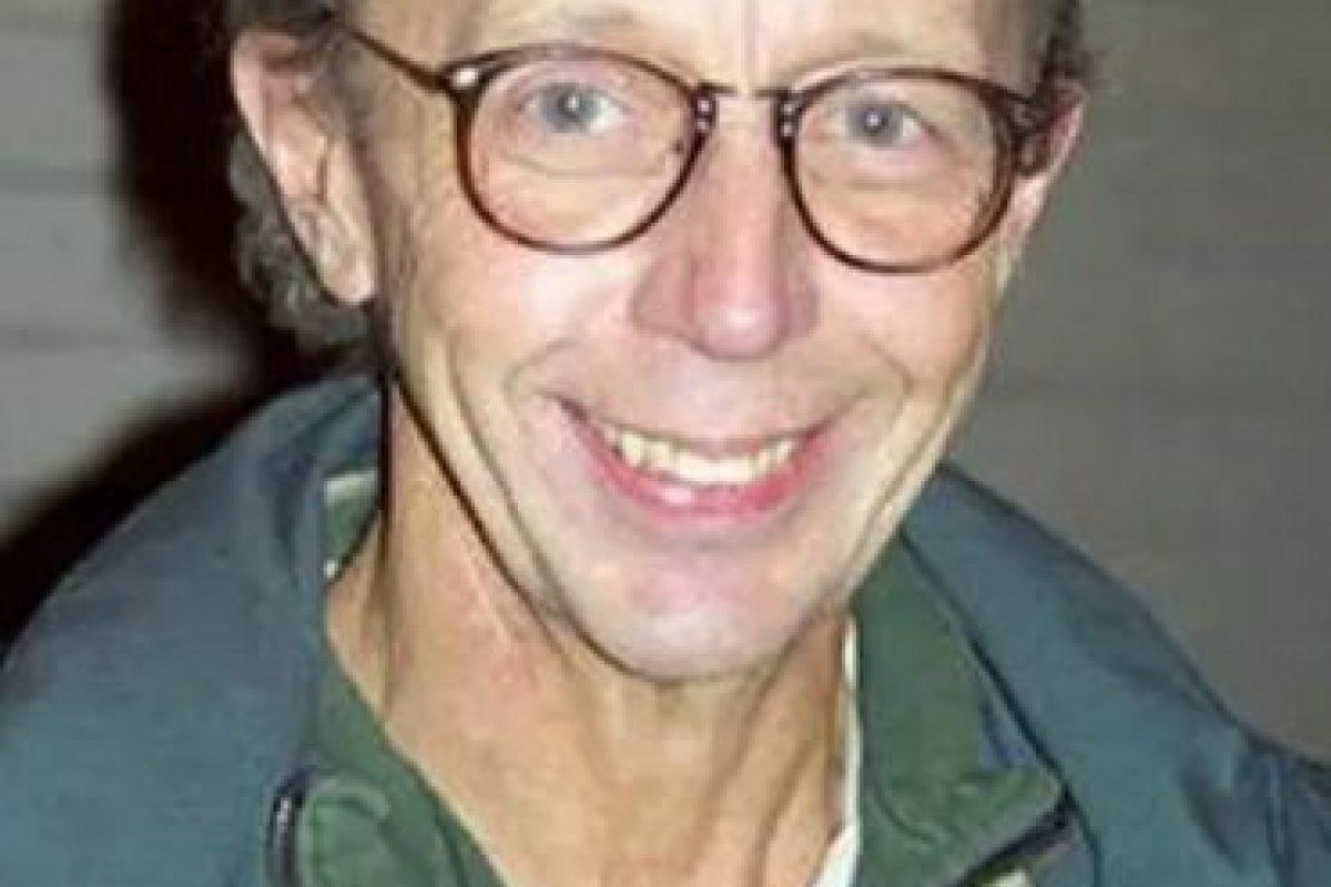 Max Wright interpretó a Willie Tanner, un trabajador social que siempre se metía en problemas por 'ALF'. En el 2008 un medio estadounidense publicó unas imágenes del actor fumando crack y en actitud cariñosa con otros hombres adictos Foto:Tumbrl. Imagen Por: