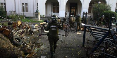 """Bachelet anuncia que aplicará """"toda la fuerza de la ley"""" por daños tras toma del Inba"""