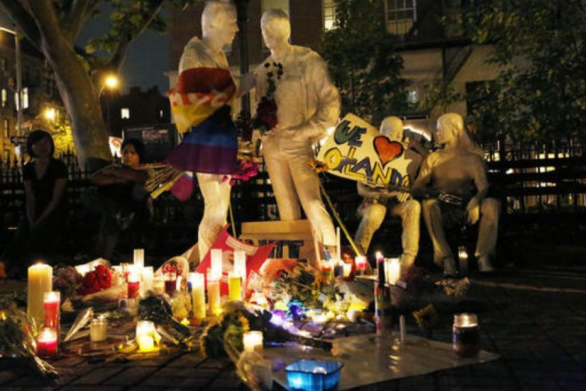 Alrededor del mundo, miles de personas han homenajeado a las víctimas. Foto:AP. Imagen Por: