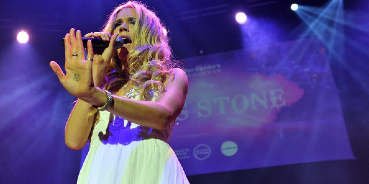 Cantante británica ofreció concierto para niño con piel de escamas