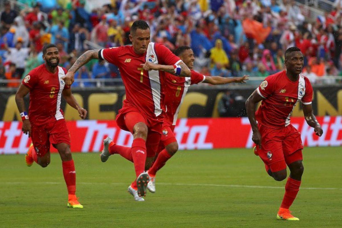 Sin embargo, Panamá no podrá contar con su principal figura: Blas Pérez, quien marcó los dos goles ante los altiplánicos Foto:Getty Images. Imagen Por: