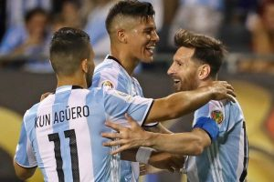 Argentina llega invicta a la última fecha del Grupo D. Luego de vencer a Chile y Panamá, los trasandinos salen a defender el liderato del Grupo ante Bolivia Foto:Getty Images. Imagen Por: