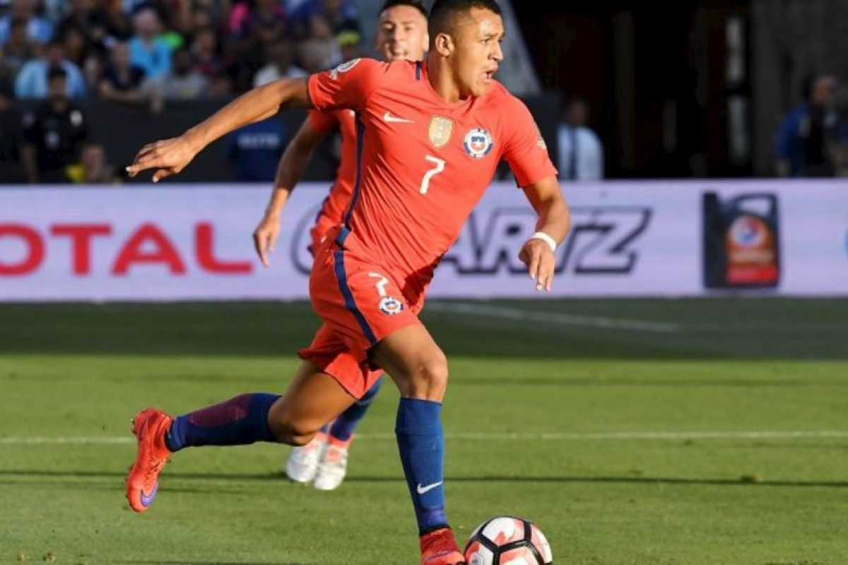 El empate favorece a Chile Foto:Getty Images. Imagen Por: