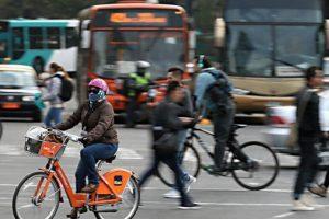 El sistema de bicicletas públicas de la RM se consolidó con su implementación en 14 comunas de la capital y más de 28 mil usuarios. Foto:@BikeSanitago. Imagen Por: