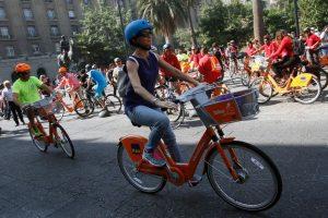 El sistema de bicicletas públicas de la RM se consolidó con su implementación en 14 comunas de la capital y más de 28 mil usuarios. Foto:Agencia UNO / Archivo. Imagen Por: