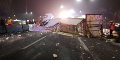 Accidente vehicular provocó corte del tránsito en la Autopista Central