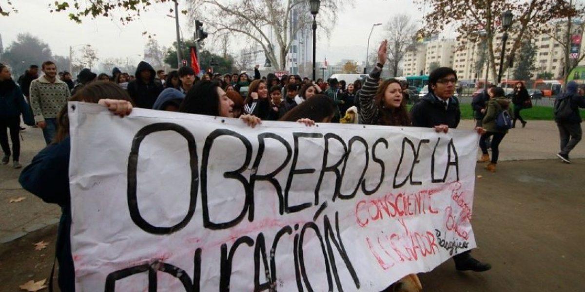 Comienzan los primeros incidentes en la marcha no autorizada de estudiantes