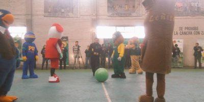 Que no toque el suelo: Forestín celebró sus 40 años con inédito partido de fútbol