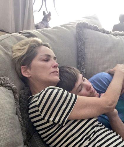 Sharon Stone con su hijo