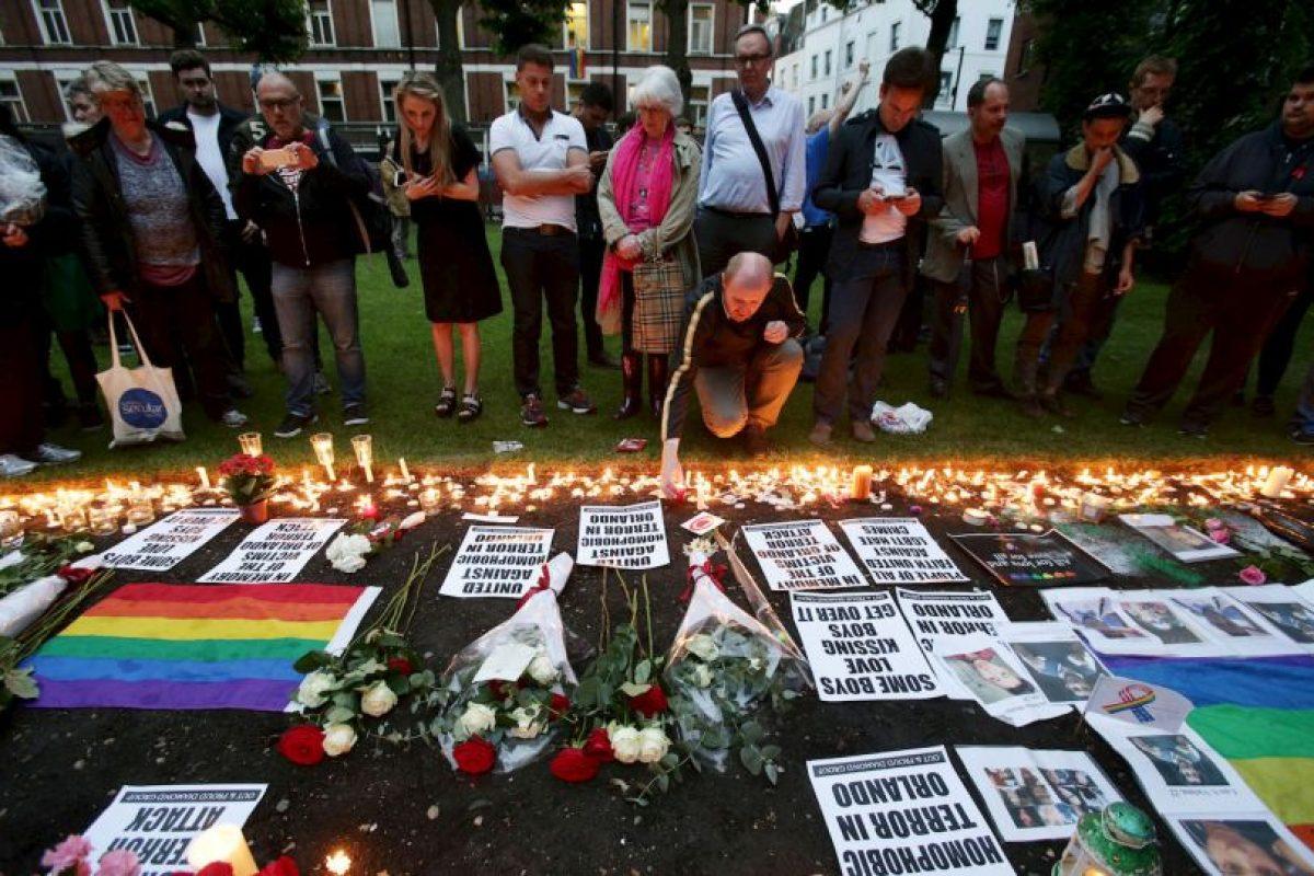 Gente de todo el mundo apoyó a la comunidad LGBT. Foto:AP. Imagen Por: