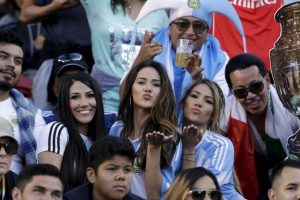 Las fanáticas más guapas de la fase de grupos de la Copa América Centenario 2016 Foto:Getty Images. Imagen Por: