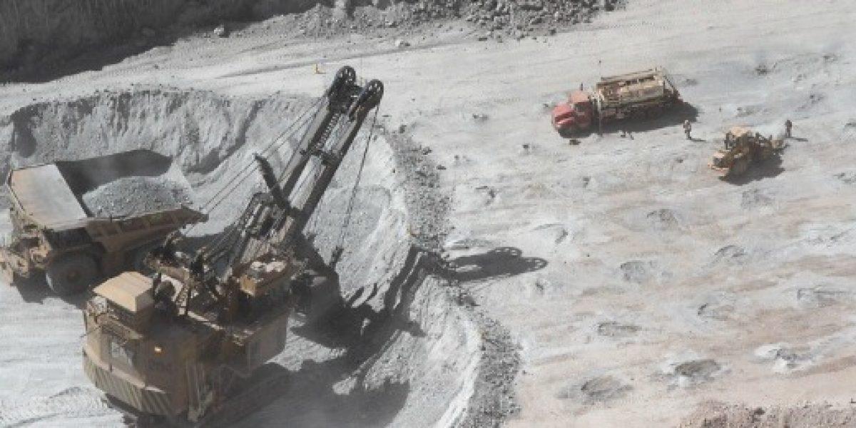 Cepal: inversión extranjera directa en Chile cayó un 8% en 2015