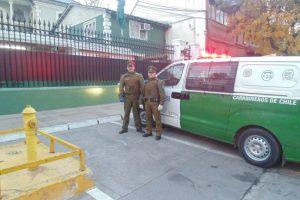 Los dos oficiales a cargo de este particular procedimiento. Foto:Gentileza. Imagen Por: