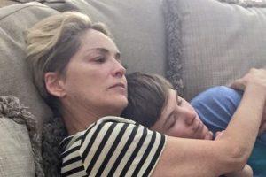 Sharon Stone con su hijo Foto:Twitter @Sharonstone. Imagen Por: