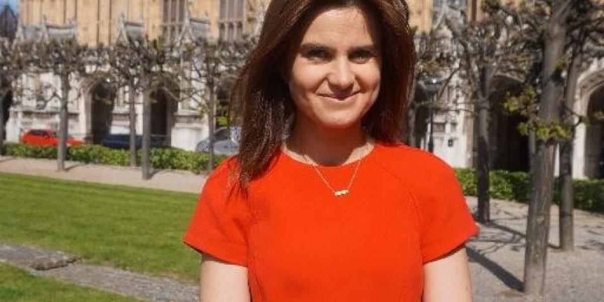 Muere la diputada británica apuñalada y baleada en acto público