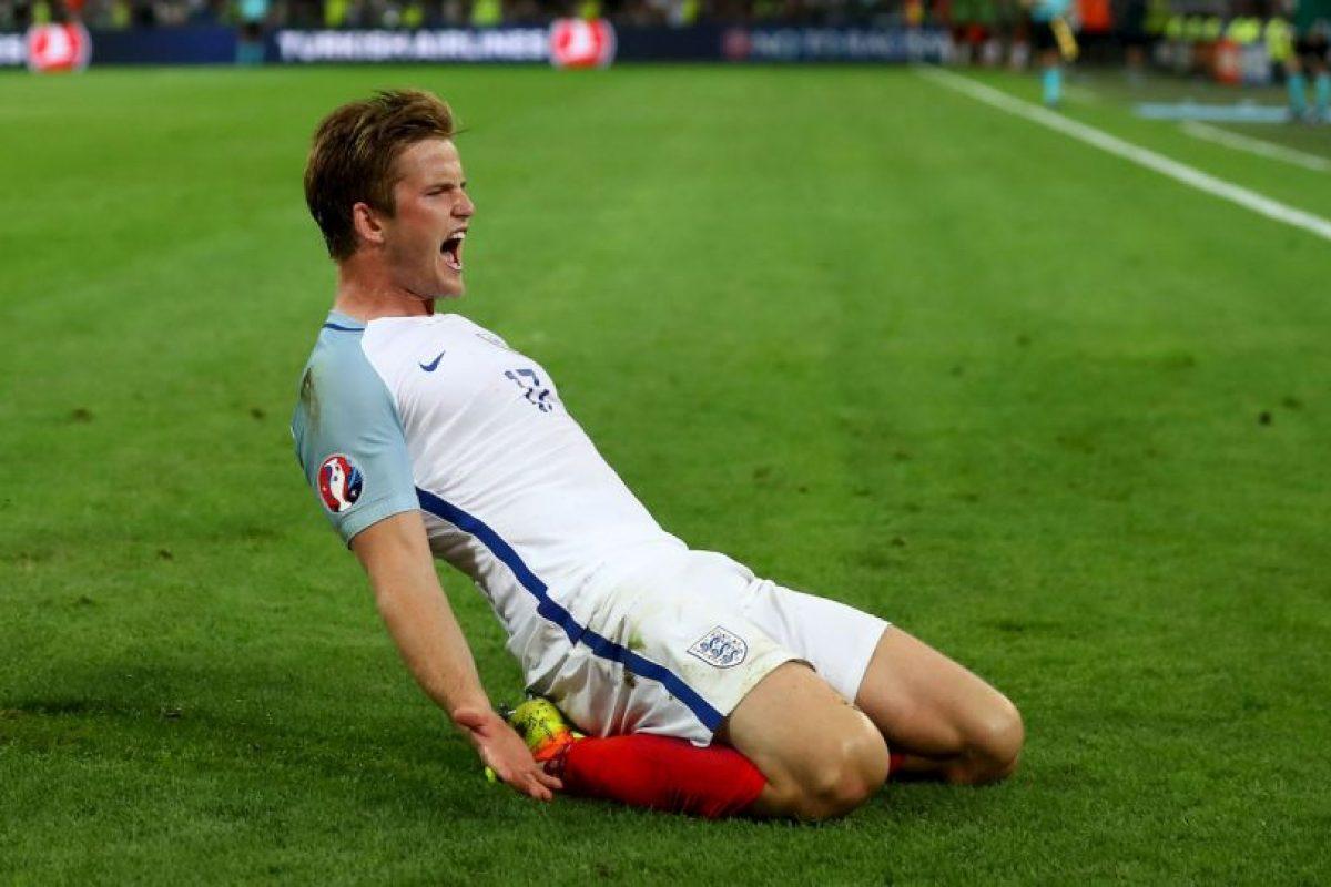 Los ingleses no pudieron mantener su victoria y lamentaron un empate ante Rusia Foto:Getty Images. Imagen Por: