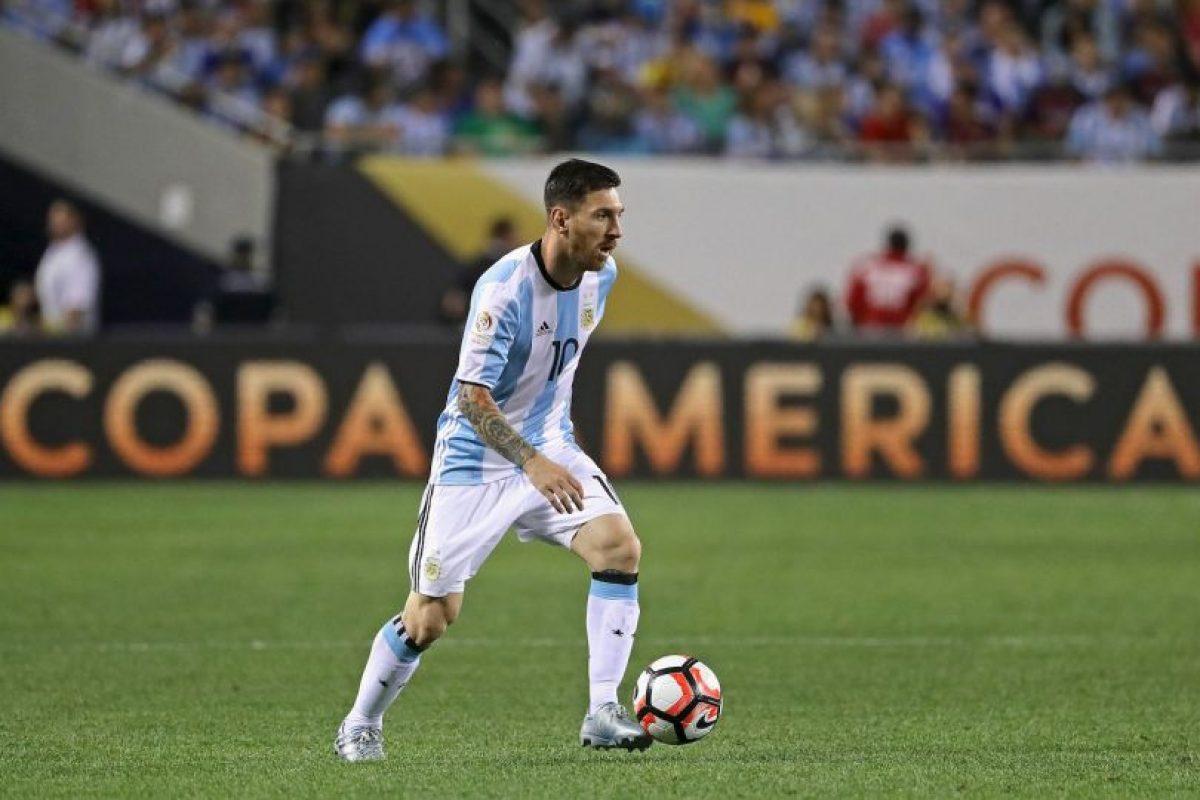 Ahora, en cuartos de final, será la prueba de fuego para Lionel Messi, quien hasta se dejó barba para cortar su 'mufa' con Argentina y la racha de 23 años que suma su selección sin títulos Foto:Getty Images. Imagen Por: