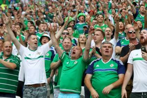 Un hincha no aguantó la emoción de la victoria y falleció tras sufrir un ataque cardíaco Foto:Getty Images. Imagen Por: