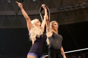 Dana Brook y Charlotte Foto:WWE. Imagen Por: