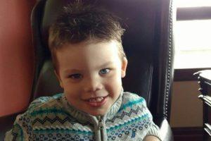El niño Lane Graves, de dos años, murió al ser arrastrado por un caimán Foto:AFP. Imagen Por:
