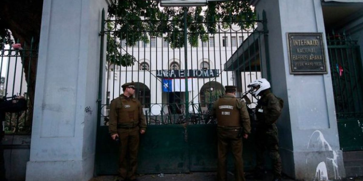 Municipio de Santiago aclara que si intentaron desalojar tomas de colegios