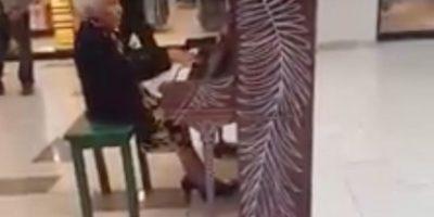 Copiapó: abuelita de 94 años sorprende con sus habilidades para el piano