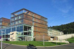 1- Centro de Justicia Leoben, Austria. v Foto:Twitter.com. Imagen Por: