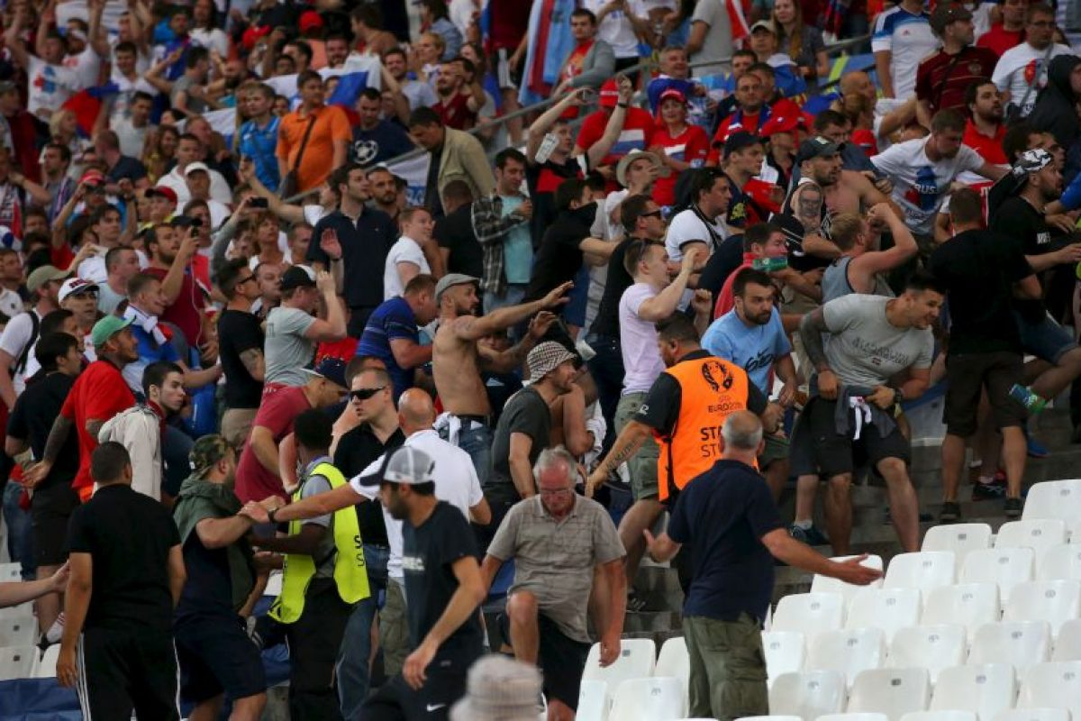La pelea con los ingleses en el estadio sólo fue un precedente de lo que pueden seguir mostrando Foto:Getty Images. Imagen Por: