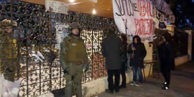 Desalojan liceo Manuel de Salas: será local de votación el domingo