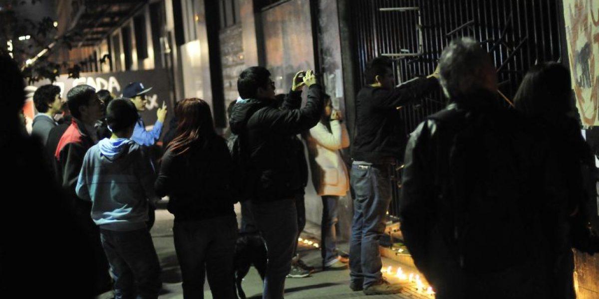 Antes realizaron una velatón: alumnos se toman otra vez el Instituto Nacional