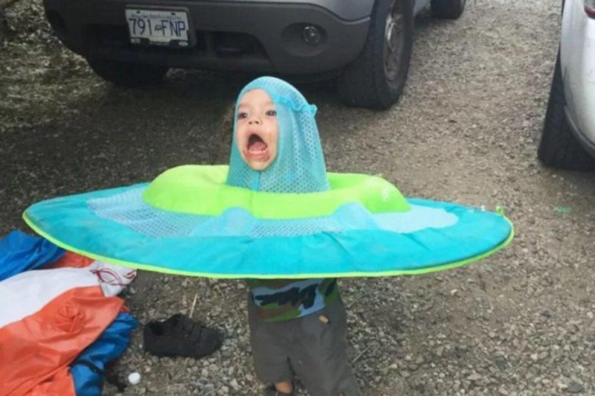 Este niño se volvió viral por lo gracioso de su gesto en esta foto. Foto:Reddit. Imagen Por: