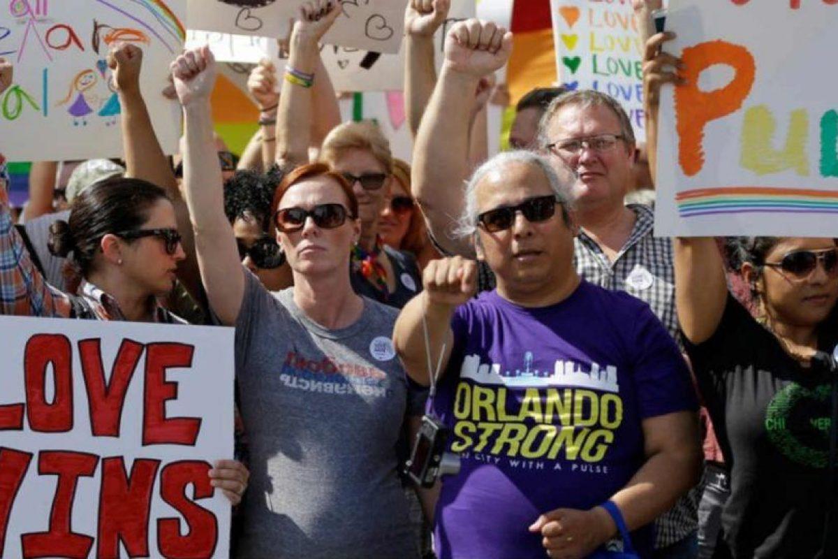 La comunidad no dejó de apoyar a la comunidad LGBTI. Foto:AP. Imagen Por: