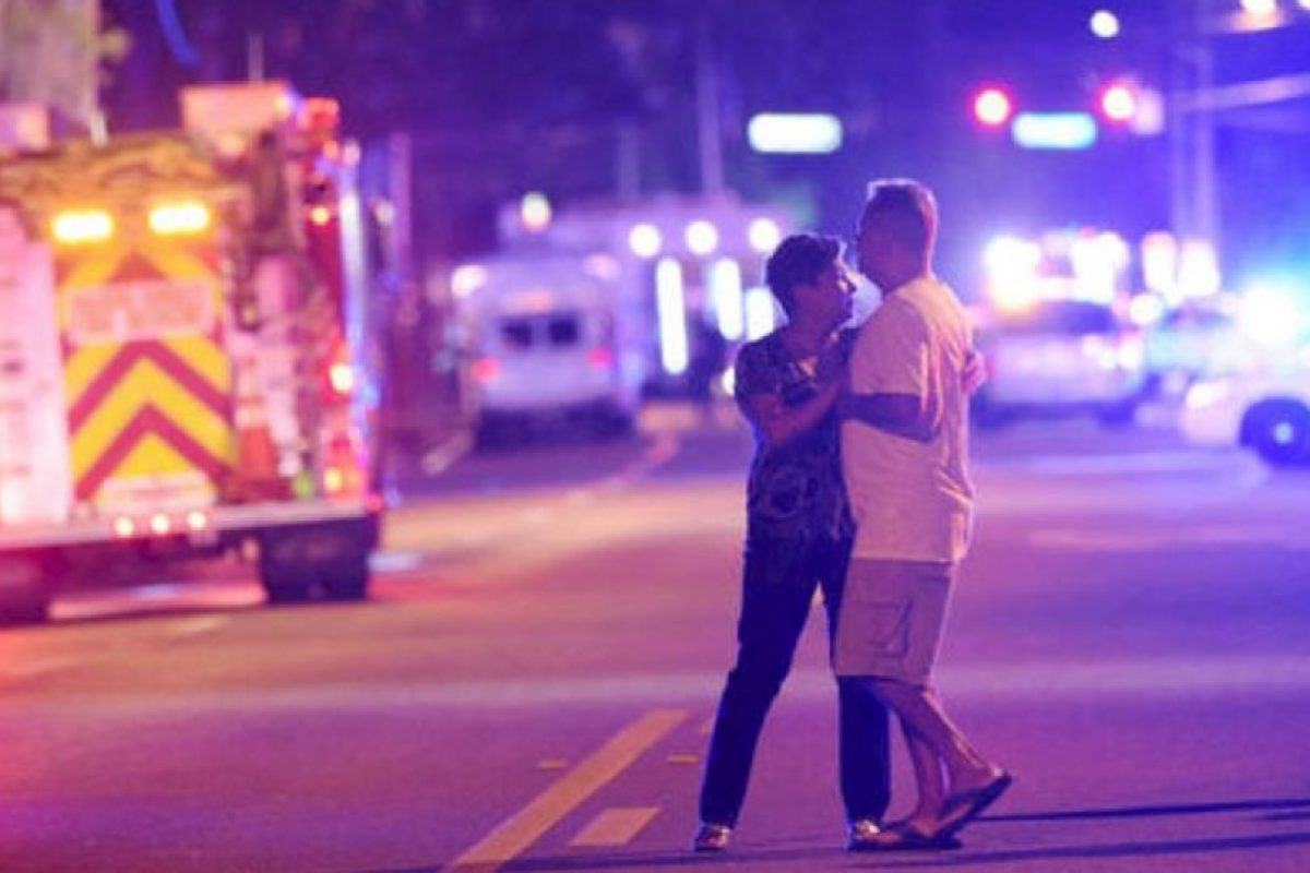 """Fotografías del momento despues del tiroteo en el bar """"Pulse"""". Foto:Getty Images. Imagen Por:"""