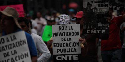 Violenta jornada de protestas de profesores mexicanos deja seis muertos