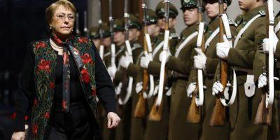 Cadem: Bachelet alcanza el nivel de rechazo más alto de su segundo periodo