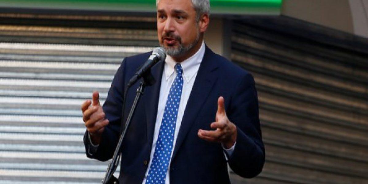 Ministro de Cultura anuncia millonario financiamiento para organizaciones culturales