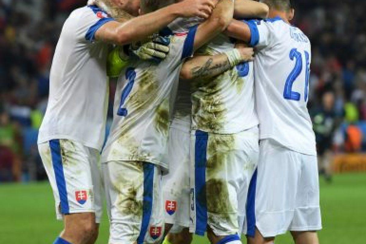 Los eslovacos ahora se ilusionan con avanzar a la siguiente ronda y una victoria les permitiría clasificar directamente, aunque un empate podría dejarlos posicionado en alguno de los cuatro mejores terceros que avanzan Foto:Getty Images. Imagen Por: