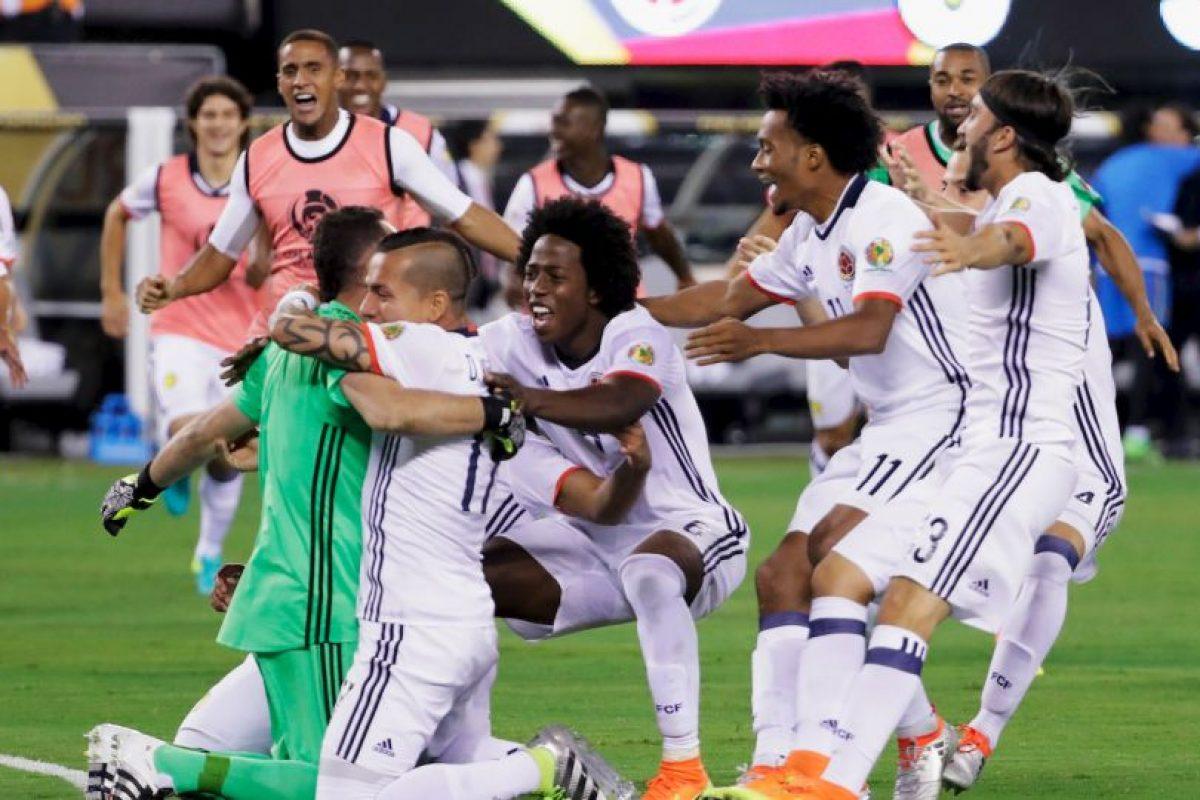 Colombia accedió sufriendo a semifinales tras vencer en penales a Perú Foto:Getty Images. Imagen Por: