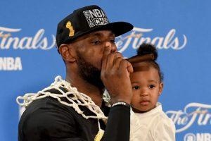 El MVP de la final tomó esas palabras como una motivación y se juramentó ser campeón con Cleveland Cavaliers Foto:Getty Images. Imagen Por: