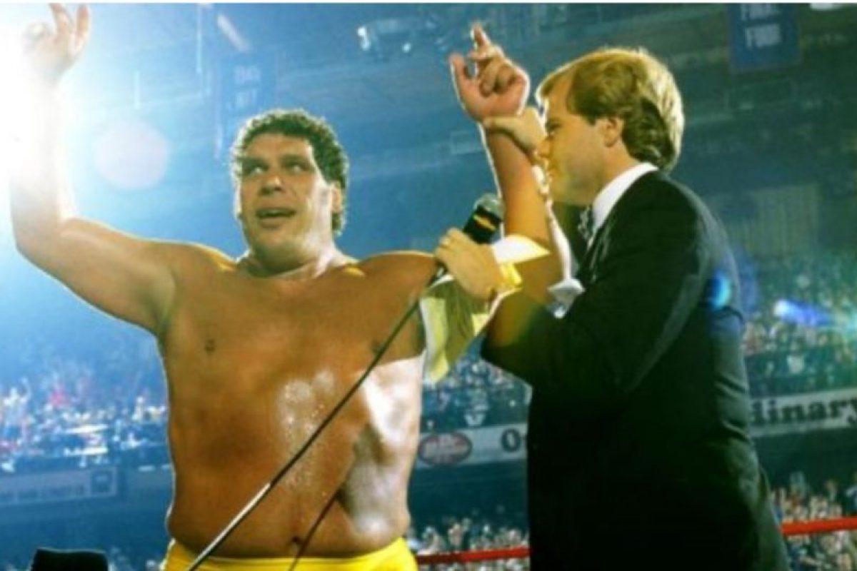 3. Andre el Gigante. The Main Event de 1998. Venció a Hulk Hogan, pero el réferi levantó las manos a ambos, dejando el título vacante Foto:WWE. Imagen Por: