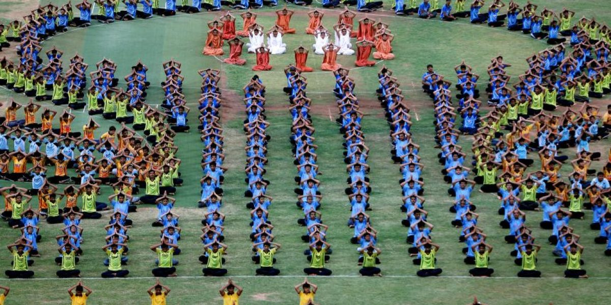 GALERÍA: Así celebran por el mundo el Día Internacional del Yoga