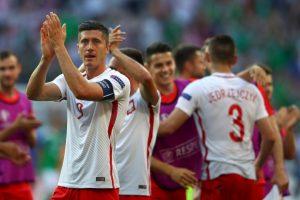 Luego de vencer por la mínima a Irlanda del Norte y empatar con Alemania, los polacos son segundos por diferencia de goles Foto:Getty Images. Imagen Por: