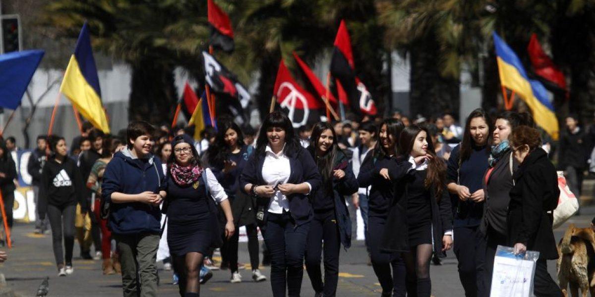 Municipalidad de Santiago rechazó nuevo recorrido de marcha Confech