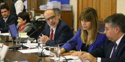 Gobierno cede a presión de diputados y propone sueldo mínimo de 276 mil pesos en un plazo de dos años