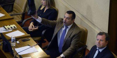 La airada reacción de Hasbún que lo dejó sin un bototo en plena sesión de la Cámara